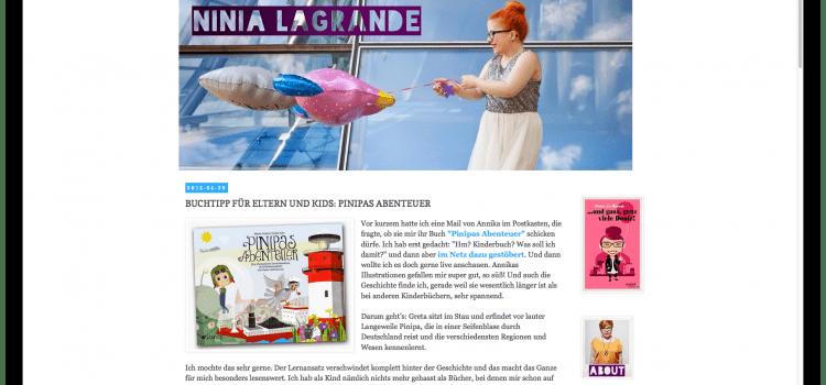 Ninia LaGrande macht ein Interview mit der Illustratorin