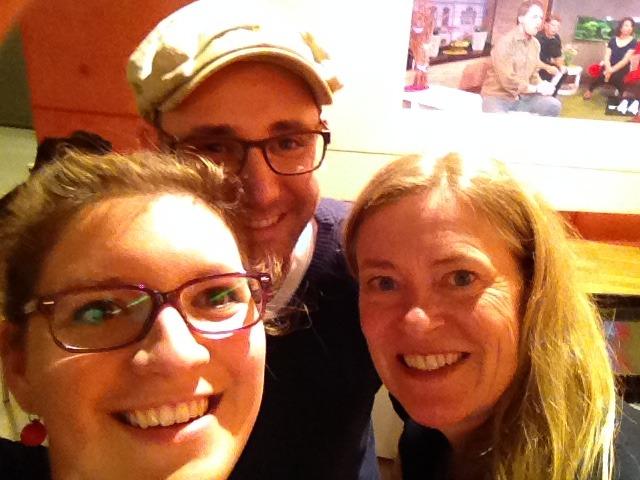 Annika und Martin mit der Redakteurin von daheim+unterwegs hinter den WDR Kulissen